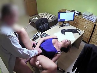 Money Troubles For This Czech Milf Requires A Loan Nuvid