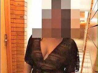 Pranya Flashing In Hotel Gallary