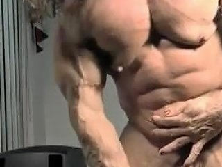 Super Amazon With A Huge Clit Free Girls Masturbating Porn Video