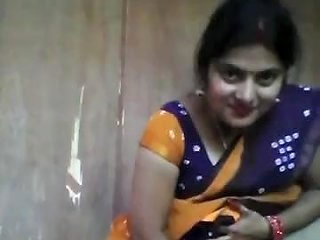 Desi Bhabi Fucking Herself With A Cucumber