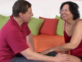 Passionate Fucking On The Bed With Chubby Mature Amateur Petra