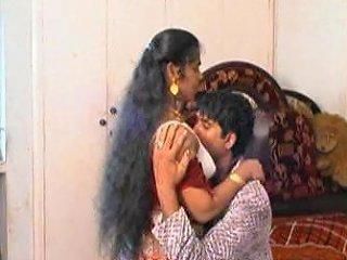Fantastic Expressions From Erotic Mallu Aunty