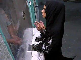 Muslim Man Fucks White First Time Desperate Arab Woman Fucks For Money