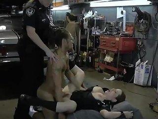 Black Trade Fucking And Hot Mom Gives Crony' Playfellow Blowjob Chop Shop