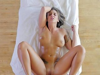 Tattooed Girl Layla London Gets Her Cunt Filled With A Fa Any Porn