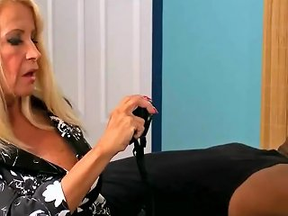 Black Guy Is Fucking A Voluptuous Blonde Housewife In The Ass In Her Living Room Fhd