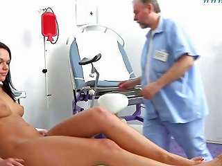 Hot Young Brunette Babe Frida Visits The Gyno Doctor For A Nuvid