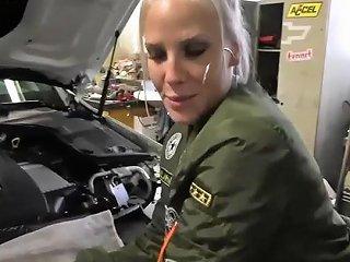 L C Garage