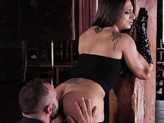 She's One Of Those Muscular Babes Who Love The Hard Anal Any Porn