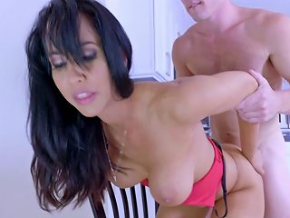 Tanned Beauty Isis Love Spreads Her Legs For The Pale Sch Any Porn