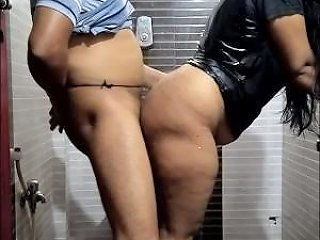 South Indian Girl Early Morning Bathroom Sex
