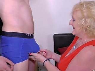 Well Aged Mature Lady Got Fucked Hard By Handy Youngster Stud