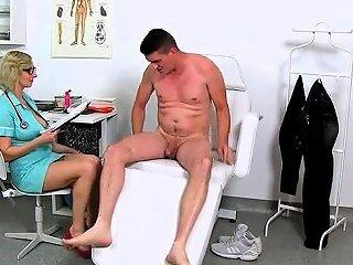 Busty Milf Handjob With Cumshot Drtuber