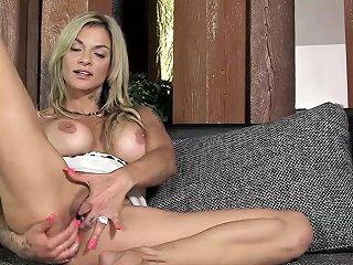 Pjgirls Klarisa Leone Extreme Pussy Stretching Self Fisting Amp Special Gyno