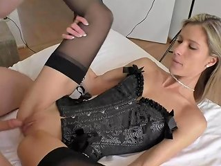 Melanie Schweiger Cuckold He Jerks In The Same Room
