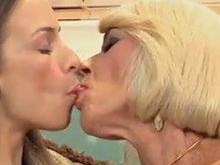 Teen Fucks Mature Couple Free Granny Porn 19 Xhamster