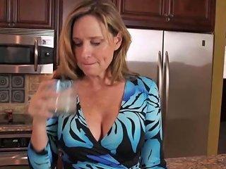 Your Moms Lunch Invitation Free Og Mudbone Free Hd Porn E6