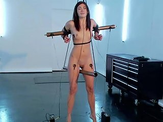 Amazing Hanna Reilly Gets Tied Up And Electrified Any Porn